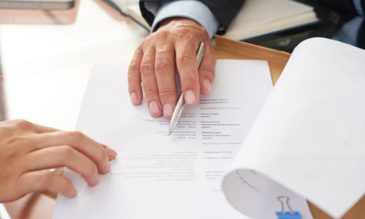 Comprendre les congés payés en fonction des contrats